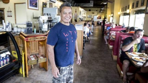 3488098_web1_Hawaiian_Style_Cafe_Owner