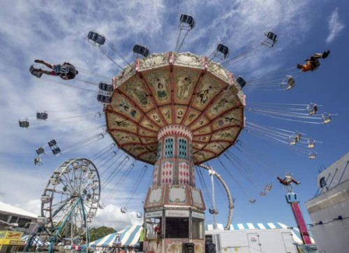 4206141_web1_county_fair_setup_4